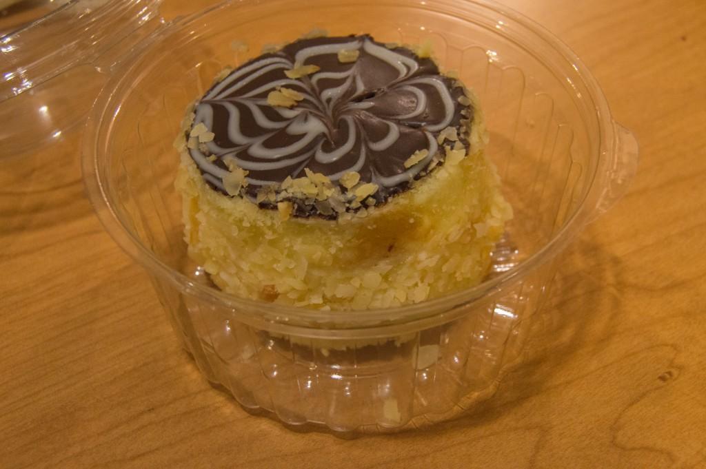 Boston cream pie   thefoodiemiles.com