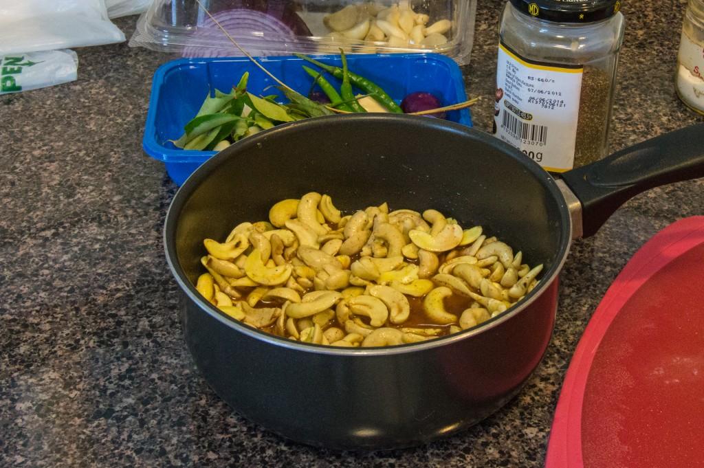 Cashew curry raw | thefoodiemiles.com