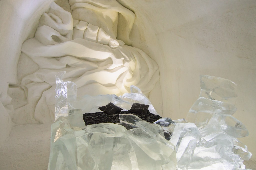 Suite in ice hotel Quebec