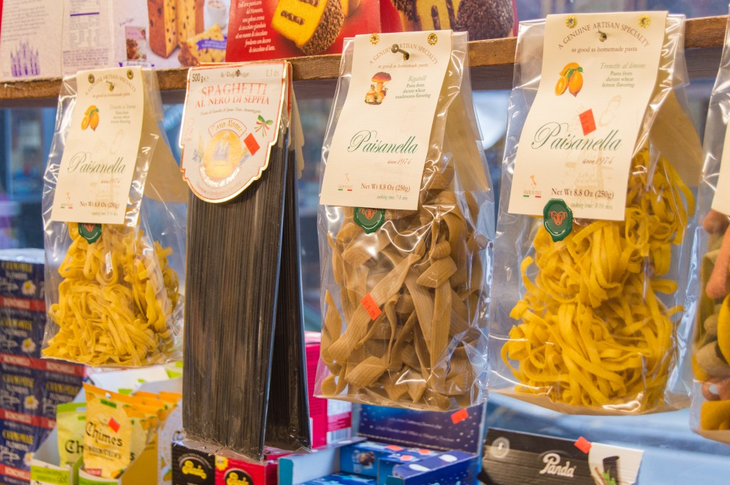 Italian grocery shop | thefoodiemiles.com