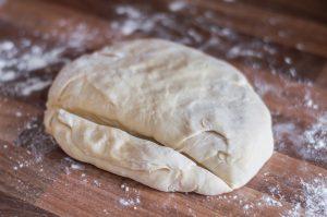russian-pelmeni-dough