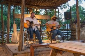 live-music-at-salt-lick-driftwood