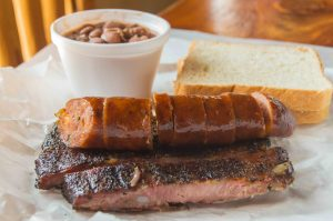 ribs-and-sausage-at-opies-spicewood