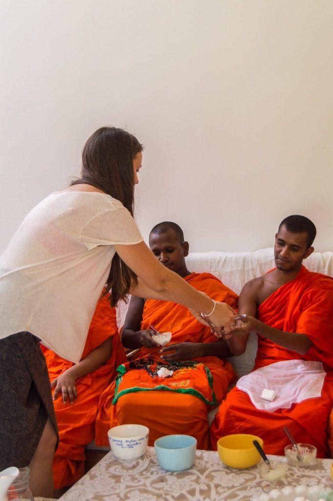 dana buddhist ceremony