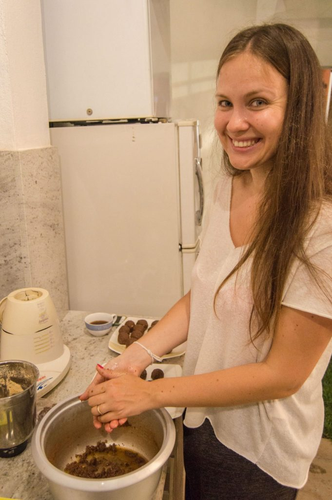 making kartoshka