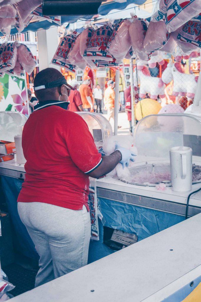 cotton-candy-making-fair