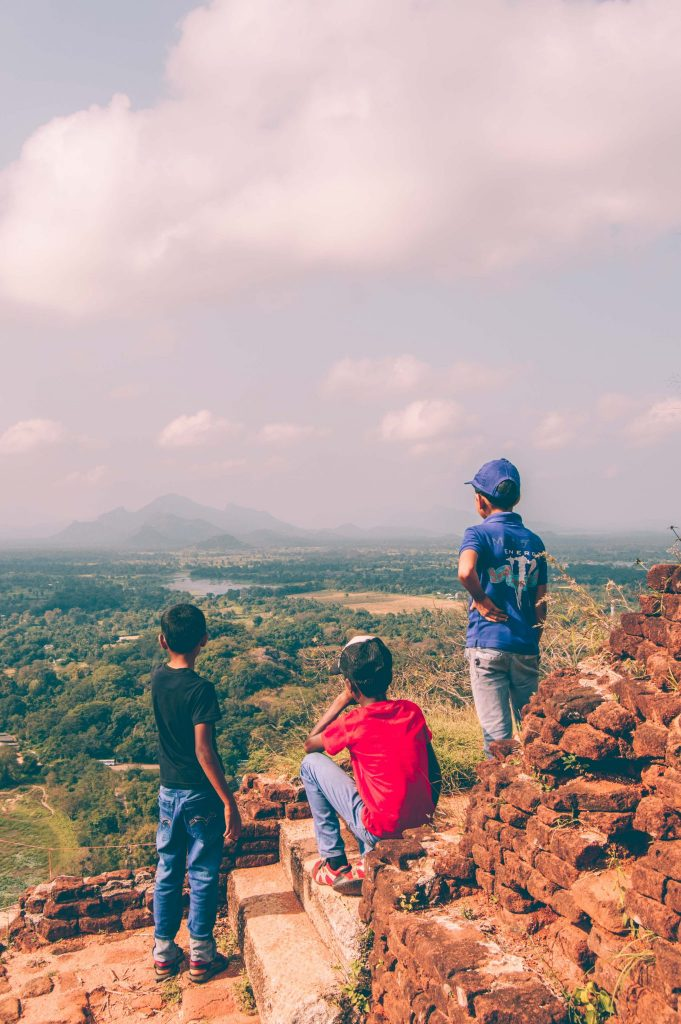 sri lankan boys climed sigiriya
