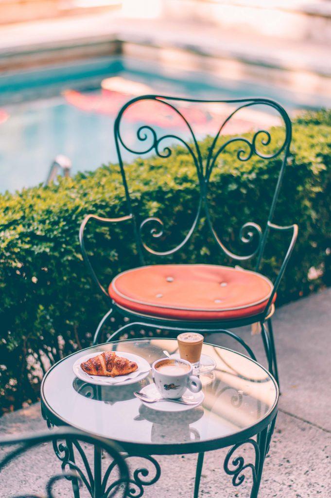 cafe-at-villa-necchi-campiglio