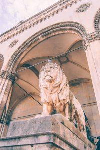 odeonsplatz-lions