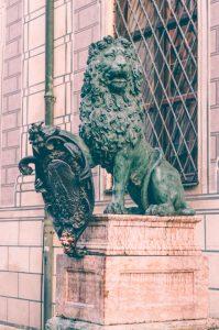residence_munich_lions