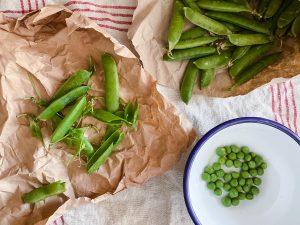 podding fresh peas