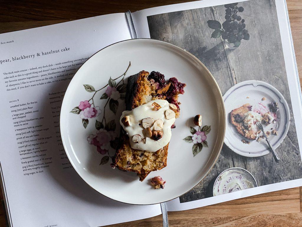 pear-blackberry-cake