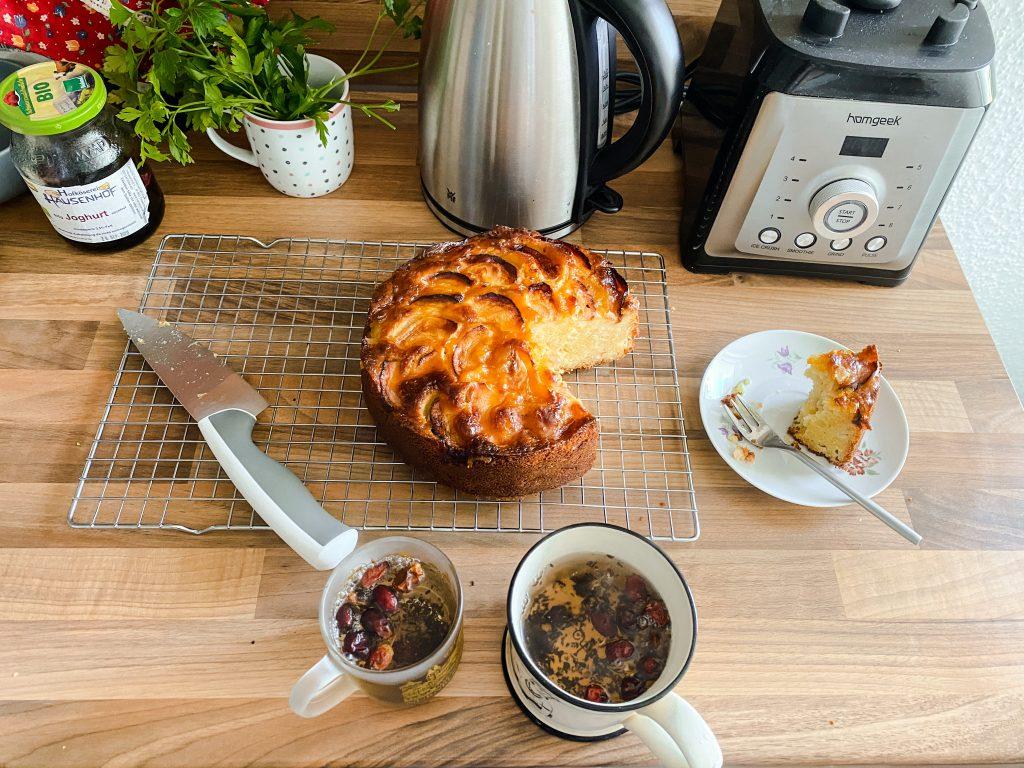 apple-marzipan-cake