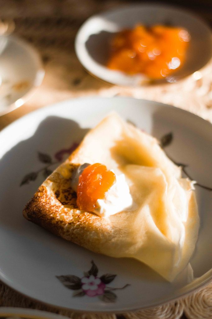 blin-with-sour-cream-and-jam