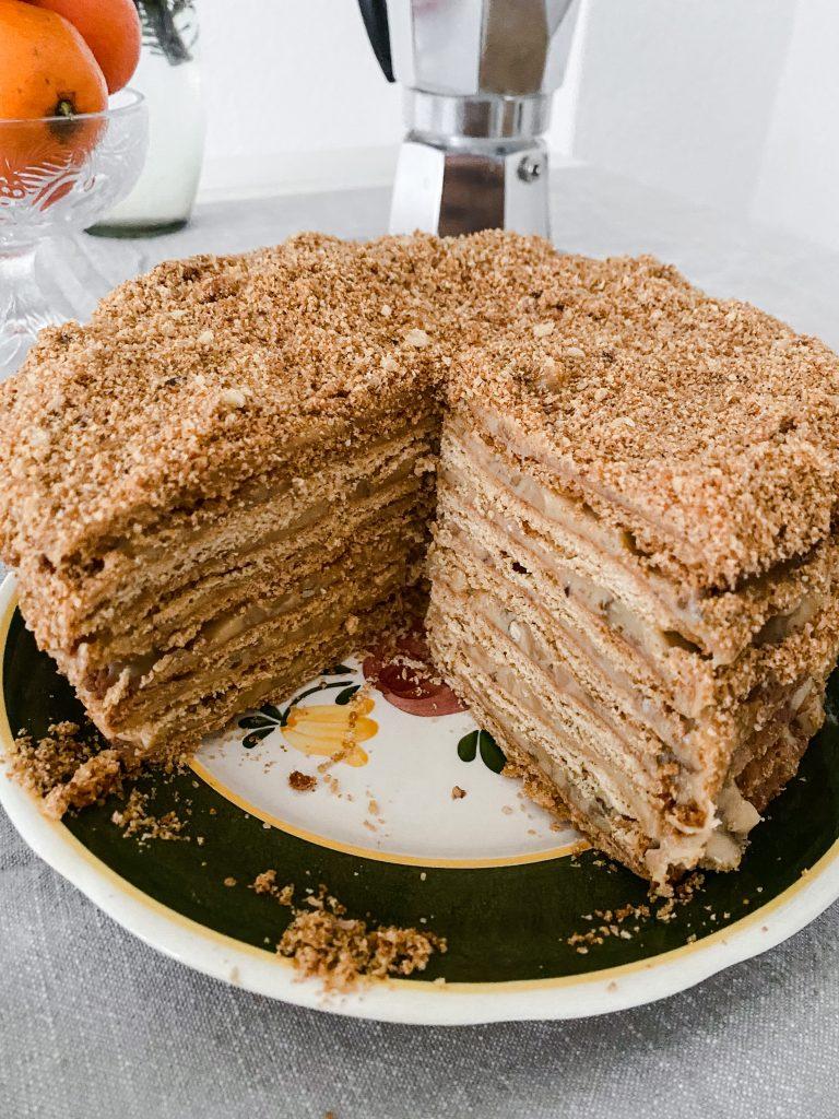 russian-honey-cake-inside