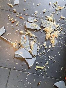broken-plate-close-up