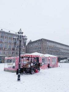hauptmarkt-in-winter