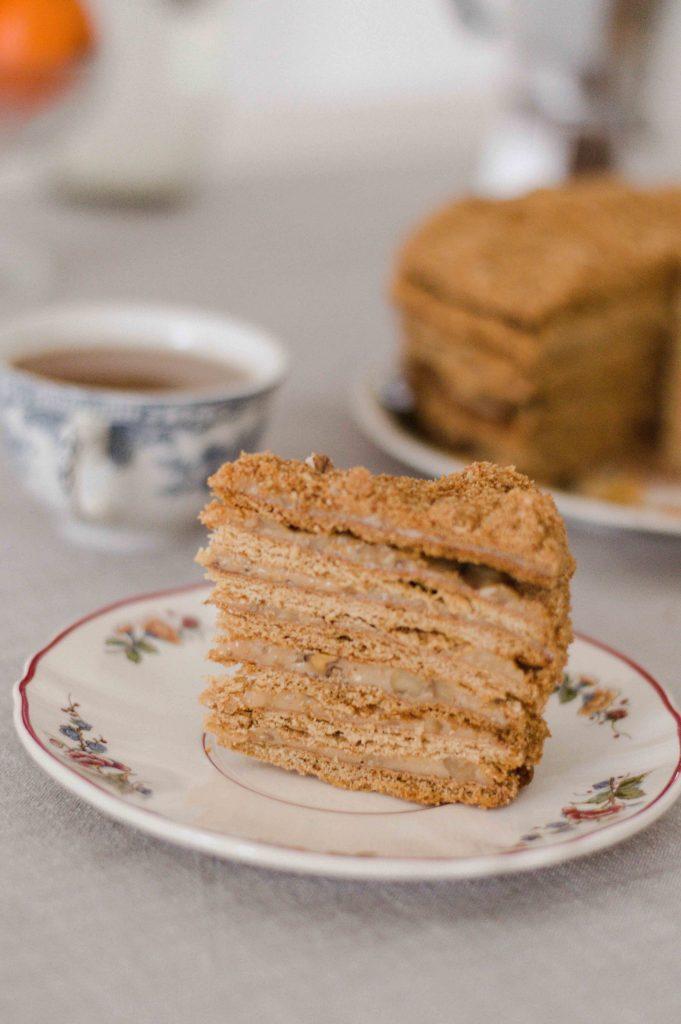 medvezhiy-cake-inside